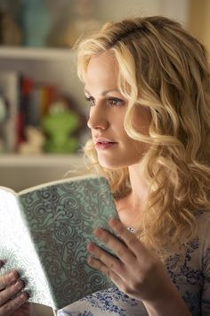 Sookie Stackhouse Anna Paquin  How I lust after this hair color