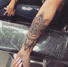 Forearm Mandala Tattoo, Henna Tattoo Sleeve, Tatoo Henna, Tattoo Forearm, Forearm Sleeve, Tattoo Sleeves, Lotus Tattoo, Henna Art, Trendy Tattoos