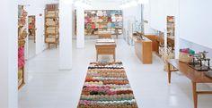 Emporio Lanar, Milano • Knitting passion // Passione knitting. Scoperto per Living da Milano Secrets.