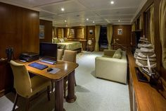 Luxury DONNA DEL MARE - Motor Yacht Check more at https://eastmedyachting.co.uk/yachts/donna-del-mare-motor-yacht/