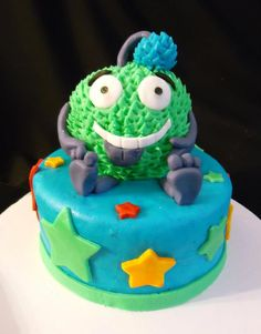 Monster cake! Monster Birthday Party! Cute for a little kid's Birthday.