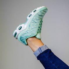reebok on line - F I R E   This kind of things... Nike Air Max Tuned 97 Foot Locker ...