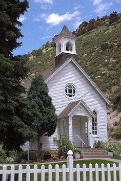 Igreja do país.  por Audra