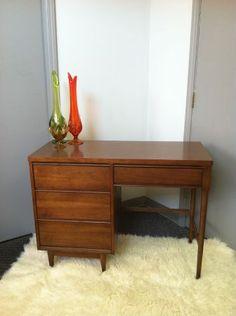 St. Louis: Beautiful Mid Century Desk $175 - http://furnishlyst.com/listings/408447