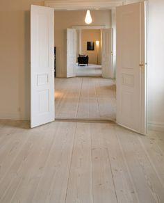 31 white oak floors for home - Flooring Oak Hardwood Flooring, Light Wood Flooring, Light Oak Floors, White Oak Floors, Wide Plank, Home Interior Design, New Homes, House Ideas, Home Decor