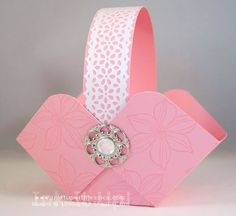 How to make Easter Baskets out of paper - it's easy!