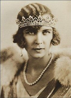 Queen Marie Jose wearing the diamonds and pearls tiara inherited from Impress Charlotte of Mexico, which used to belong to Impress of France Josephine Bonaparte, according to the tradition