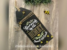 Rustic Crafts, Rustic Decor, Chalk Crafts, Craft Projects, Craft Ideas, Decks And Porches, Creative Activities, Chalkboards, Shabby Vintage