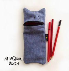 Tassunjälkiä: Pipoja Roll Up Pencil Case, Diy Pencil Case, Easy Crafts To Make, Diy And Crafts, Diy Bags Purses, Felt Diy, Diy Clothes, Upcycle, Sewing Projects