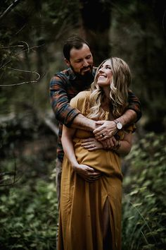 100 Romantic Pregnancy Photos Ideas for Couples - RONTSEN - Maternity pictures - Bohemian Maternity Photos, Outdoor Maternity Photos, Maternity Photography Outdoors, Maternity Poses, Maternity Portraits, Lifestyle Photography, Fall Maternity Pictures, Maternity Styles, Pregnant Couple