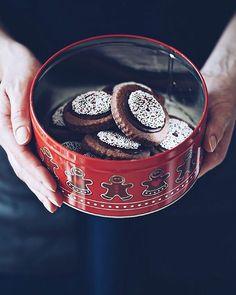 Rotweinkeks  einer meiner Lieblings Weihnachtskekse Schon der Teig schmeckthellip