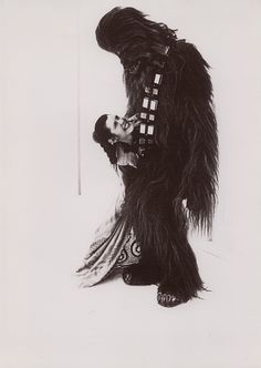 Star Wars behind the scenes -- Carrie Fisher (Princess Leia) and Chewbacca