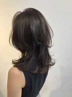 Pin on medium Long hair Medium Long Hair, Medium Hair Cuts, Medium Hair Styles, Short Hair Styles, Face Shape Hairstyles, Chic Hairstyles, Hairstyles For Round Faces, Pretty Hairstyles, Asian Hair