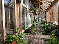пассивный земляной дом earthship