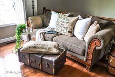 decorar con maletas y reciclar como mesa auxiliar