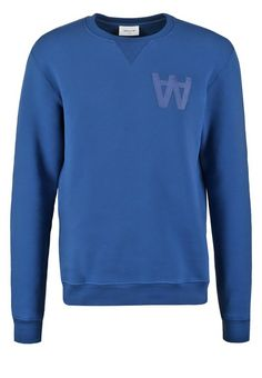 Wood Wood HOUSTON Sweatshirt estate blue Bekleidung bei Zalando.de   Material Oberstoff: 88% Baumwolle, 8% Polyamid, 4% Elasthan   Bekleidung jetzt versandkostenfrei bei Zalando.de bestellen!