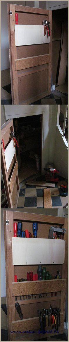 Werkzeugaufbewahrung unter der Treppe