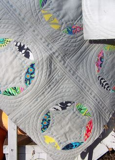 Mod Circles quilt as done by Deb (Life on the Selvedge Edge)