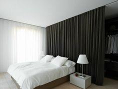 chambre-a-coucher-sol-en-parquet-cloison-amovible-leroy-merlin-rideau-gris-anthracite