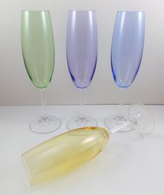 Vintage Crystal Flute Glasses Pastel Colors Set of 4 Vintage Champagne Glasses, Champagne Flutes, Crystal Champagne, Pastel Colors, Vintage Fashion, Crystals, Unique Jewelry, Tableware, Handmade Gifts