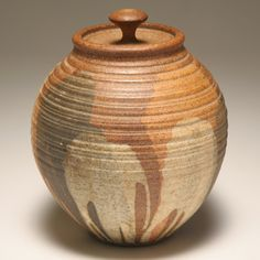 David Shaner (American, 1934-2002) lidded stoneware jar; studio art pottery.