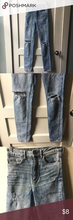 H&M Skinny High Waist Light Wash Distressed Denim Light wash high waisted Denim pants with holes and distressed details. PRICE FIRM H&M Jeans Skinny