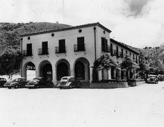 PALOS VERDES:  1930's Malaga Cove Plaza, Palos Verdes, California.