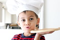 Welcome Delia Creates to the Handmade Costume Series! This pizza chef hat tutorial is fabulous! Check out all the other costume tutorials too! Once you're done making this chef's hat you should