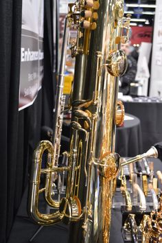 https://flic.kr/p/CymYGS   Oleg Saxophone Products Booth   the Oleg Booth at NAMM 2016 -- A trombone mouthpiece and saxophone keys???
