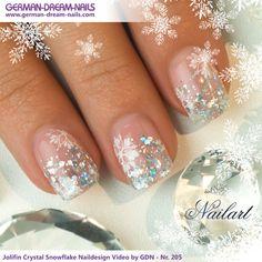Schritt für Schritt zum perfekten Crystal-Look! Jolifin Crystal Snowflake Naildesign Video by GDN - Nr. 205 Viel Spaß beim Nachmachen ;) #nailart #jolifin #uvgel http://www.german-dream-nails.com