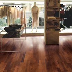 Mannington Commercial manufactures commercial modular and broadloom carpet, luxury vinyl tile, resilient sheet, and hardwood floors. Hickory Flooring, Hickory Wood, Hardwood Floors, Newport Gallery, Commercial Carpet, Luxury Vinyl Tile, Rubber Flooring, Building A House, American