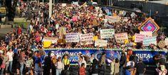 """El 26 y 27 de octubre del 2011 se llevaron acabo las Jornadas """"Salvemos Wirikuta, corazón sagrado de México"""" en la ciudad de México. Acudieron representantes de todas las comunidades Wixaritari y se llevaron actividades en la UNAM, Cuicuilco, la Escuela Nacional de Antropología y una marcha hacia la residencia de los Pinos para entregar el petitorio firmado por todas las comunidades Wixaritari juntas,a la que asistieron más de 3,000 personas mostrando su apoyo a la causa."""