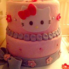 レシピとお料理がひらめくSnapDish - 23件のもぐもぐ - homemade hello kitty cake ;) by Len(^_−)−☆