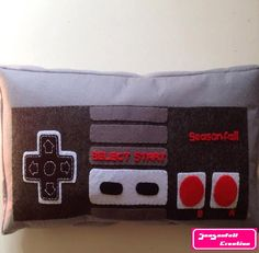 Le chouchou de ma boutique https://www.etsy.com/fr/listing/484418875/coussin-manette-nintendo Nouvelle collection Retro game👾🕹🎮 #gameboy #nintendo #gameover #pixel #pixelart #retrogaming #retrogames #geek #geekette #nerd #instageek #etsy #etsyshop #etsyseller #etsystore #hechoamano #faitmain #letsplay #friki #cousumain #couture #homedeco #pillow #instapillow #instadeco #nintendofan #worldofnintendo #justnerdthings #oldschool #oldschoolgaming