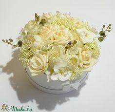 Esküvői virág doboz (Decoflor) - Meska.hu Coconut Flakes, Pesto, Spices, Spice