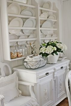 Love all of this! Seriously need to find a plate rack! I have so many pretty platters that have been handed down!