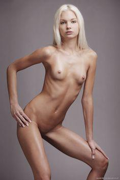 Giada de laurentiis fake boob