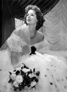 Greta. La Dama De Las Camelias. :)