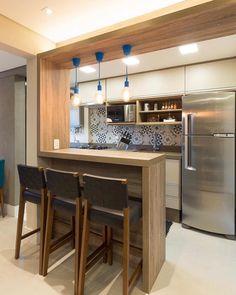 Toque do azul na cozinha via @almocodesexta.  Amei! Projeto Veridiana Gonzaga www.homeidea.com.br  Face: /homeidea  Pinterest: Home Idea #homeidea #arquitetura #ambiente #archdecor #archdesign #projeto #homestyle #home #homedecor #pontodecor #homedesign #cozinha #interiordesign #interiores #picoftheday #decoration #revestimento  #decoracao #architecture #archdaily #inspiration #project #regram #home #casa #grupodecordigital