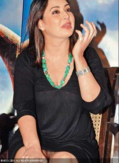 Preeti Jhangiani, who was in Delhi to promote her debut film as producer, 'Sahi Dhandhe Galat Bande', with hubby Parvin Dabas, was caught by the shutterbugs without her undies! While it may have been an inadvertent mistake, Preeti's name has now been added to the list of B-town ladies caught without their essentials.