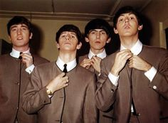 The Beatles - Музыка 70-80-х Beatles Party, The Beatles, All You Need Is Love, Lady And Gentlemen, John Lennon, Good Music, Rock And Roll, Bugs, Gentleman