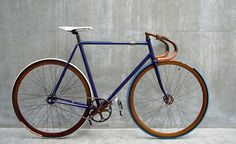 Awesome fixed gear.Classic Car Art&Design @classic_car_art #ClassicCarArtDesign