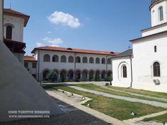 Manastirea Comana - comuna Comana, judetul Giurgiu - InfoGhidRomania.com Romania, Mansions, House Styles, Home, Manor Houses, Villas, Ad Home, Mansion, Homes