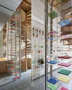 Molecure Pharmacy, Taizhong Shi, 2017 - Waterfrom Design co. Ltd