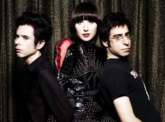 Yeah Yeah Yeahs (Kinda wanna be Karen O)