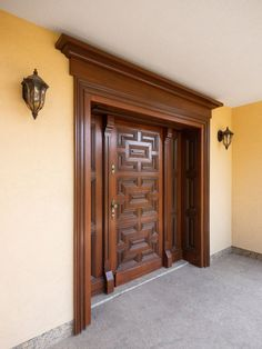 Door Design Images, Home Door Design, Pooja Room Door Design, Door Gate Design, Door Design Interior, Wooden Front Door Design, Main Entrance Door Design, Wooden Front Doors, Modern Wooden Doors