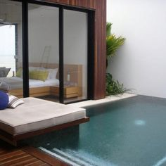 Plunge pool. Like the seat over the corner                                                                                                                                                     More