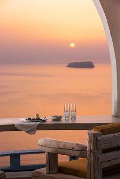 Peachy pink Megalochori Sunset in Santorini, Greece /// #wanderlust #travel