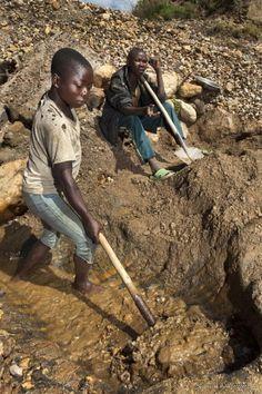 Metal diggers. Congo