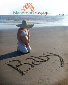 Cute maternity beach photography